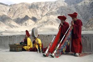 Buddhist puja